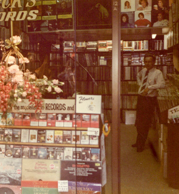 Admin_thumb_shop-15-christmas-early-70s