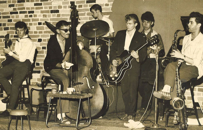 Admin_thumb_mh-and-band-1965