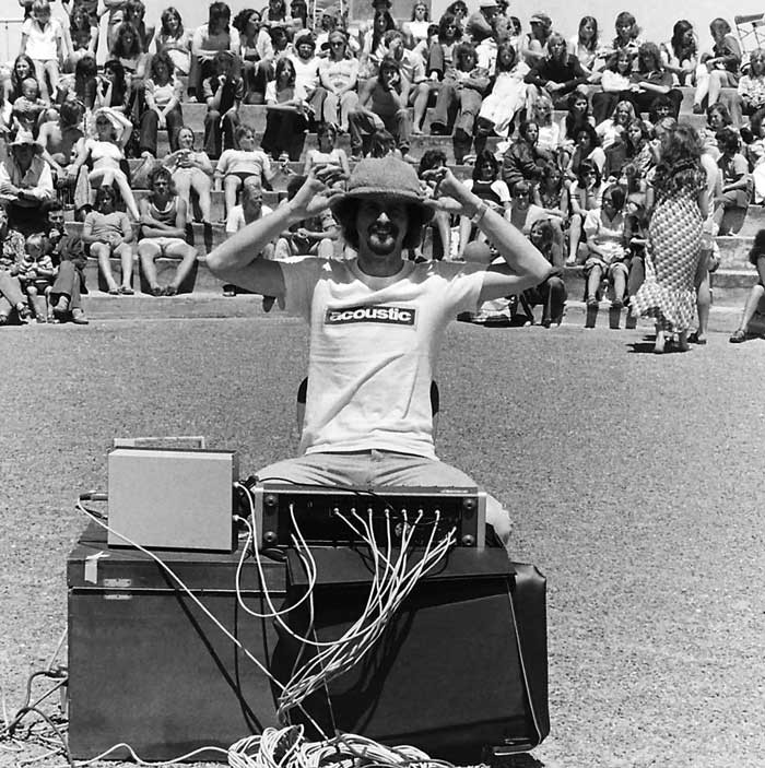 Admin_thumb_mike-lewis-holden-sound-beech-concert-new-brighton1974