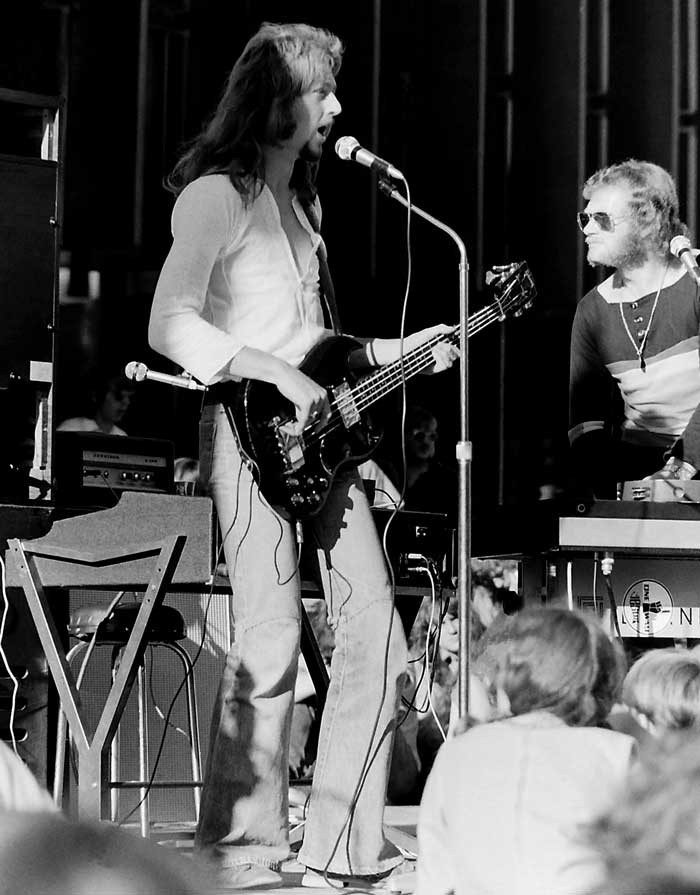 Admin_thumb_tradition-jay-peters-nev-claughtonoutdoor-concert-christchurch-1974