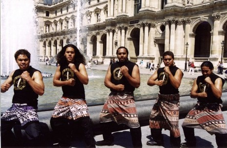 Hero thumb te vaka filming a video clip in paris  2000