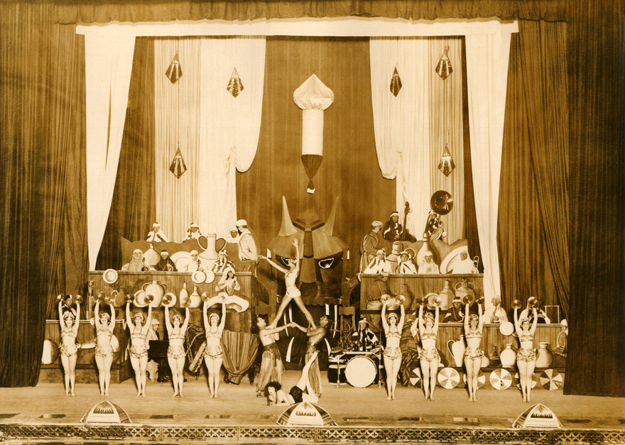 Admin thumb 32 civic theatre show  arabian theme 1930