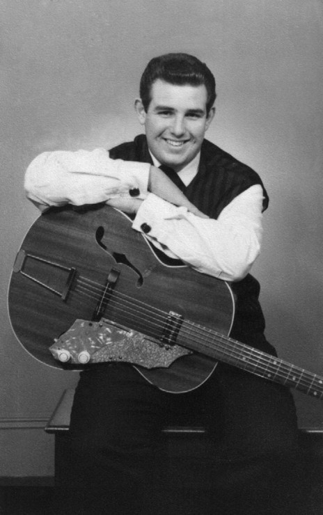 Hero thumb 1959 phil with first guitar aged 16