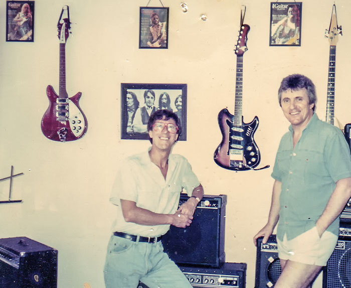 Admin_thumb_hank-marvin-bruce-welch-lab-87