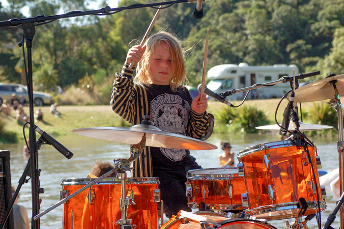 Admin_thumb_louis-amos---the-drummer-and-singer-of-electric-fence-and-10-year-old-brother-of-jeremy-from-rackets-_calh-2013_-pjs